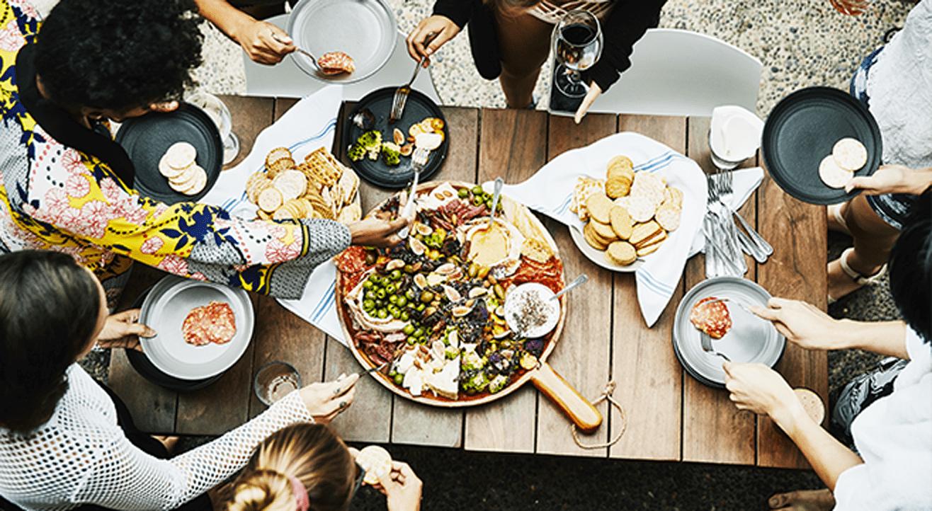 Idées Repas De Fête Entre Amis organiser un festin et faire ses comptes entre amis sans se